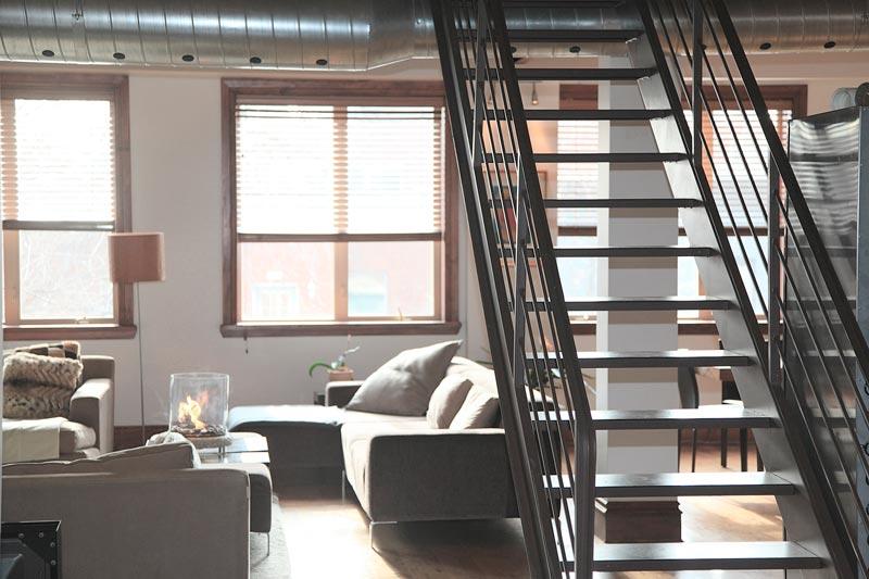 aprovechar el espacio bajo unas escaleras